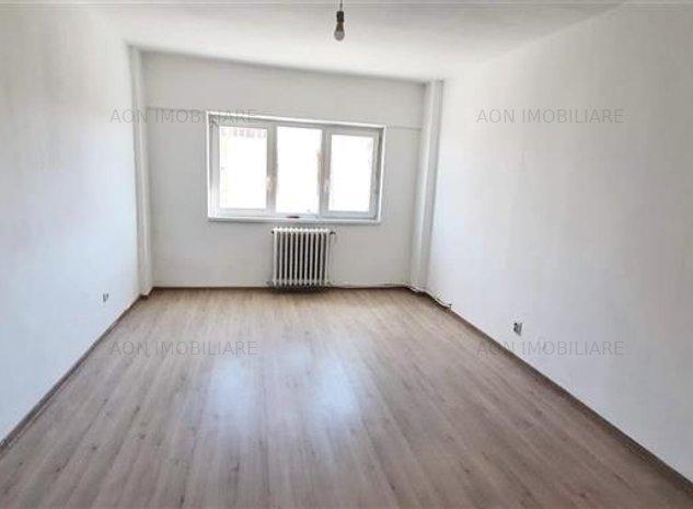 Apartament 4 camere, 82 mp utili, etaj intermediar, zona OMV - imaginea 1