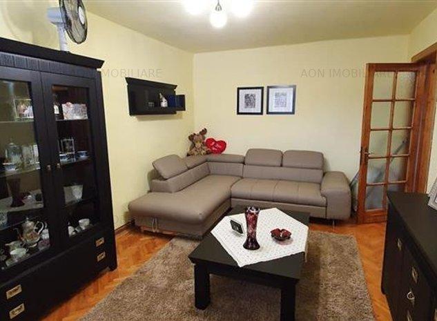 Apartament 3 camere, 2 bai, mobilat, utilat, zona Liceului Sportiv - imaginea 1