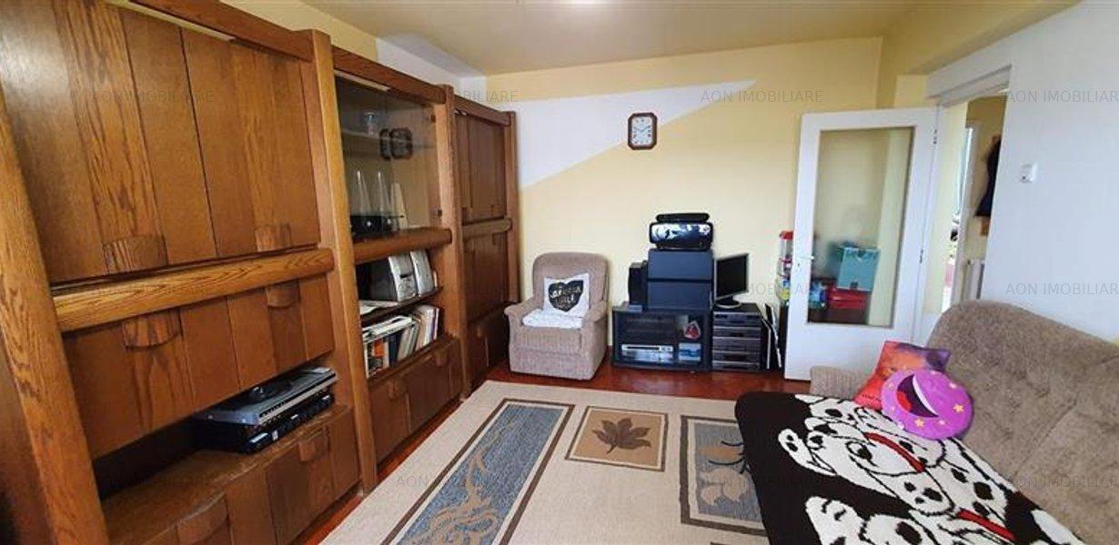 Apartament 3 camere, 70 mp, mobilat, utilat, zona Tolstoi - imaginea 2