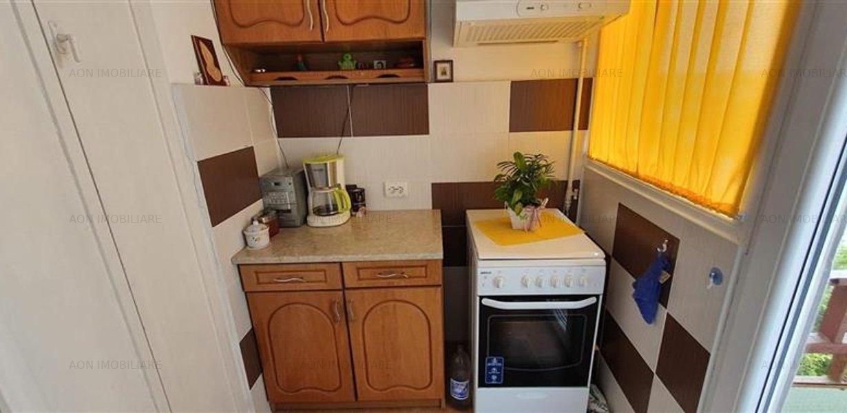 Apartament 3 camere, 70 mp, mobilat, utilat, zona Tolstoi - imaginea 5