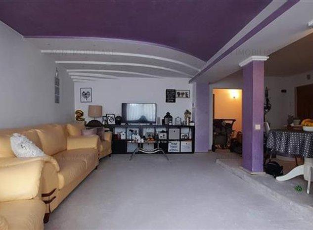 De vanzare apartament 3 camere mobilat utilat, Tolstoi - imaginea 1