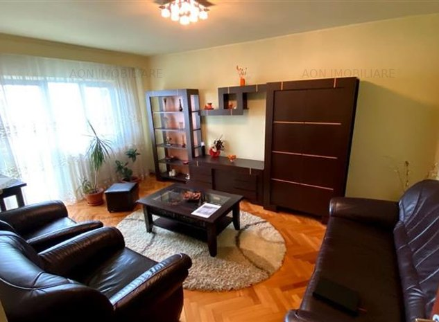 Apartament cu 4 camere decomandat - imaginea 1