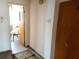 Apartament de vânzare 3 camere în Targu-Jiu, Unirii