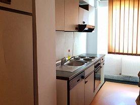 Apartament de vânzare 4 camere în Targu-Jiu, Unirii