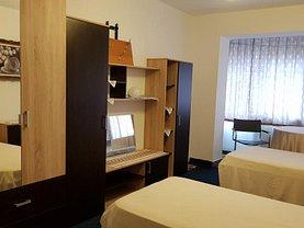 Apartament de vânzare 3 camere, în Targu-Jiu, zona Victoria