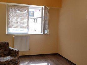 Apartament de închiriat 2 camere, în Targu-Jiu, zona Central
