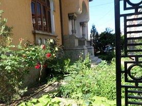 Casa de închiriat 10 camere, în Targu-Jiu, zona Unirii