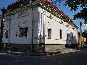 Casa 13 camere în Targu-Jiu, Traian