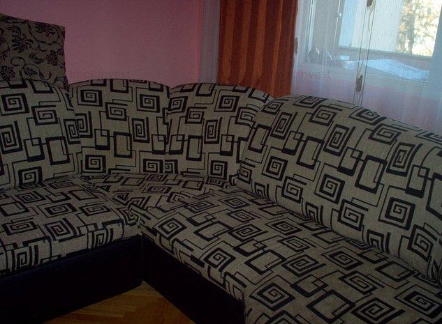 Vând apartament cu 2 camere, etajul 3/4, pe str. Hunedoara - imaginea 1