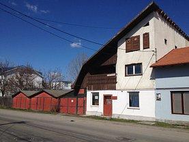 Casa de vânzare 8 camere, în Reghin, zona Est