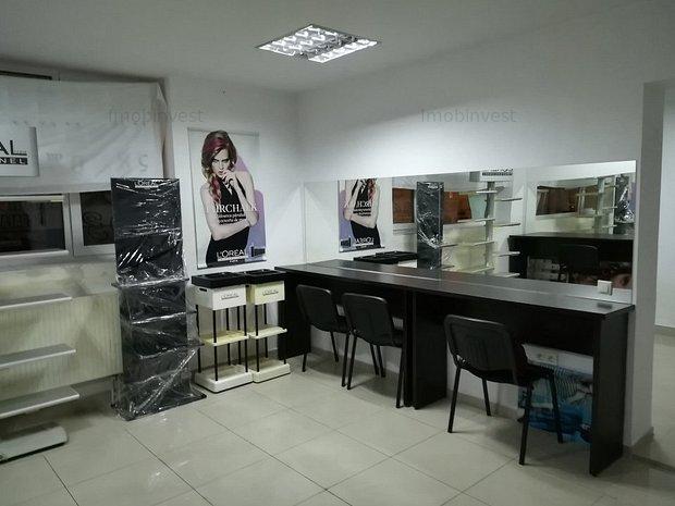 curte com 2 camere dep pe front transformat in salon de