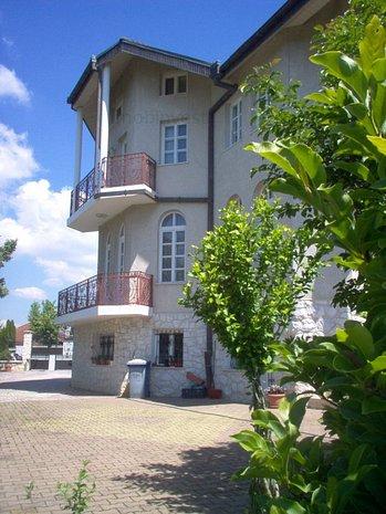 casa mare noua,  in zona Platou Cornesti, 11 camere, 4 bai,  - imaginea 1