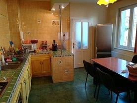 Casa de vânzare 6 camere, în Târgu Mureş, zona Dâmbu Pietros