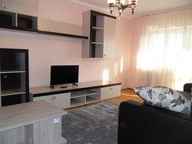 Apartament de închiriat 3 camere în Ramnicu Valcea, Lenin Sud