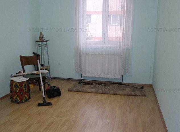 Apartament doua camere, zona Traian. - imaginea 1