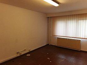 Apartament de vânzare 3 camere, în Râmnicu Vâlcea, zona Lenin Sud