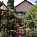 Casa de vânzare 4 camere, în Bujoreni