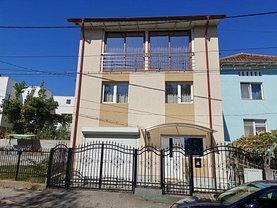 Casa de vânzare 8 camere, în Ramnicu Valcea, zona Traian
