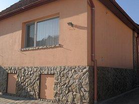 Casa de vânzare 3 camere, în Calimanesti, zona Central