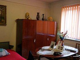Casa de vânzare 2 camere, în Râmnicu Vâlcea, zona Colonia Nuci
