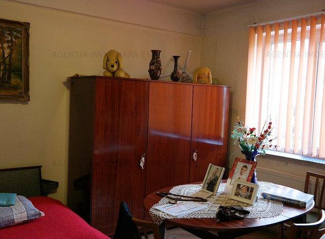 Casa si garaj, Colonia Nuci. - imaginea 1