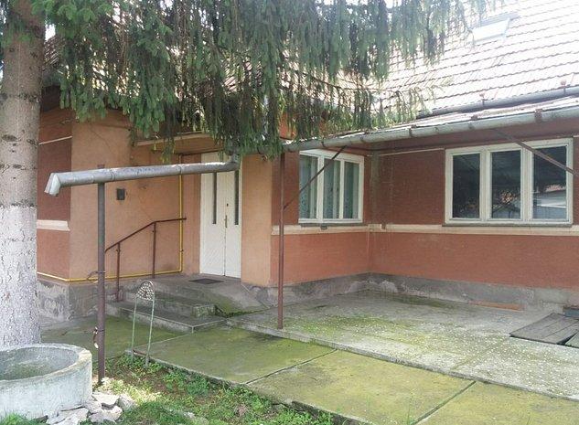 Casa in Sanpaul, 2 constructii pe un teren de 850 mp - imaginea 1