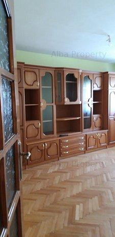 Apartament 2 camere decomandat , mobilat , etaj 02 - imaginea 1