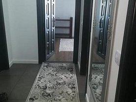 Apartament de închiriat 3 camere, în Suceava, zona Obcini