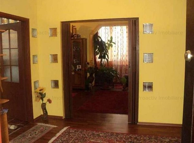 Obcini apartament 3 camere (3C-2346) - imaginea 1