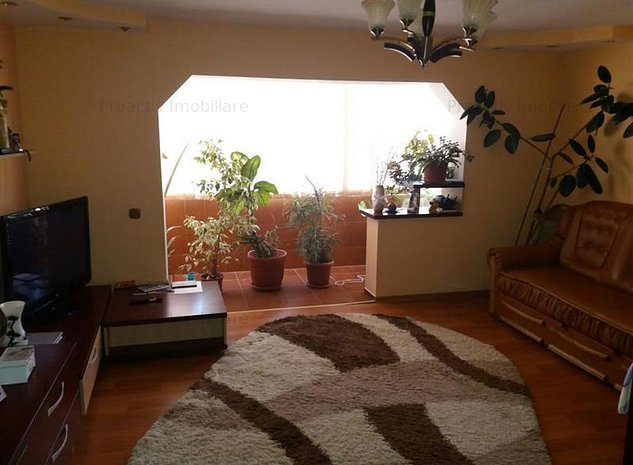 Obcini apartament 3 camere (3C-2289) - imaginea 1