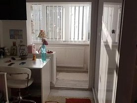 Apartament de vânzare 3 camere în Suceava, Nord-Est