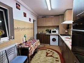 Apartament de vânzare 3 camere, în Iaşi, zona Bularga