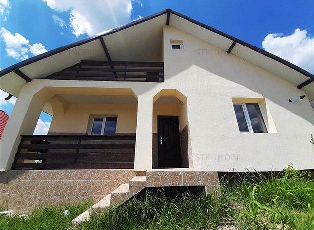 Casa la asfalt cu toate utilitatile zona Holboca - imaginea 1