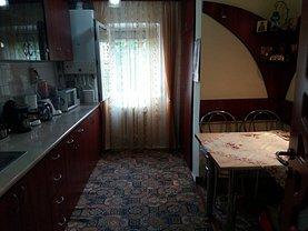 Apartament de vânzare 3 camere, în Baia Mare, zona Central