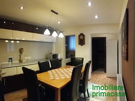 Apartament de închiriat 4 camere în Baia Mare, Central