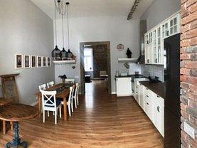 Apartament de închiriat 3 camere, în Baia Mare, zona Oraşul Vechi