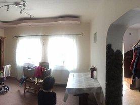 Casa de vânzare 3 camere, în Baia Mare, zona Periferie