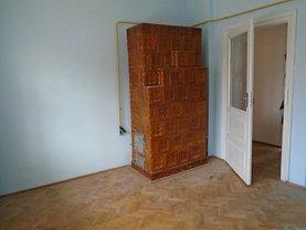 Casa de vânzare 5 camere, în Botosani, zona Central