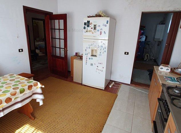 Vila D+P+1, Botosani, centru, Dragos Voda, ideala pentru 2 familii - imaginea 1