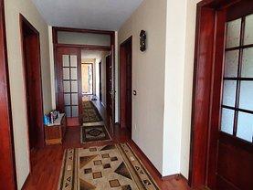 Casa de vânzare 6 camere, în Botoşani, zona Central