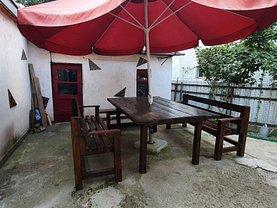 Casa de vânzare 2 camere, în Botoşani, zona Est