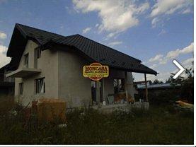 Casa de vânzare 4 camere, în Botoşani, zona Est