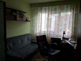 Apartament de închiriat 4 camere, în Deva, zona Decebal