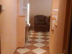 Apartament de vânzare 2 camere, în Deva, zona Zamfirescu