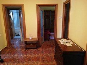 Apartament de închiriat 3 camere, în Deva, zona Împăratul Traian