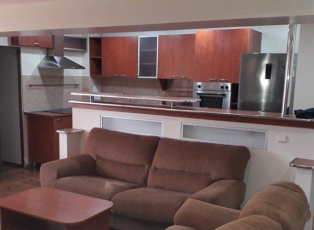 Ofer de inchiriat apartament cu 4 camere ultracentral cu 2 bai - imaginea 1