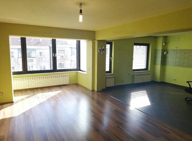 Vand apartament 4 camere - imaginea 1