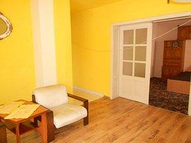 Casa de închiriat 9 camere, în Deva, zona Marasti