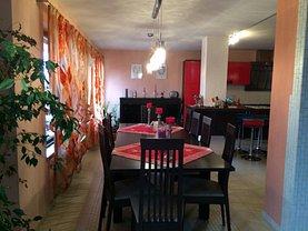 Casa de închiriat 4 camere, în Deva, zona Zavoi