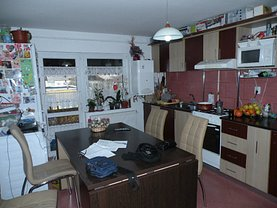 Apartament de vânzare 3 camere, în Zalau, zona Nord-Vest